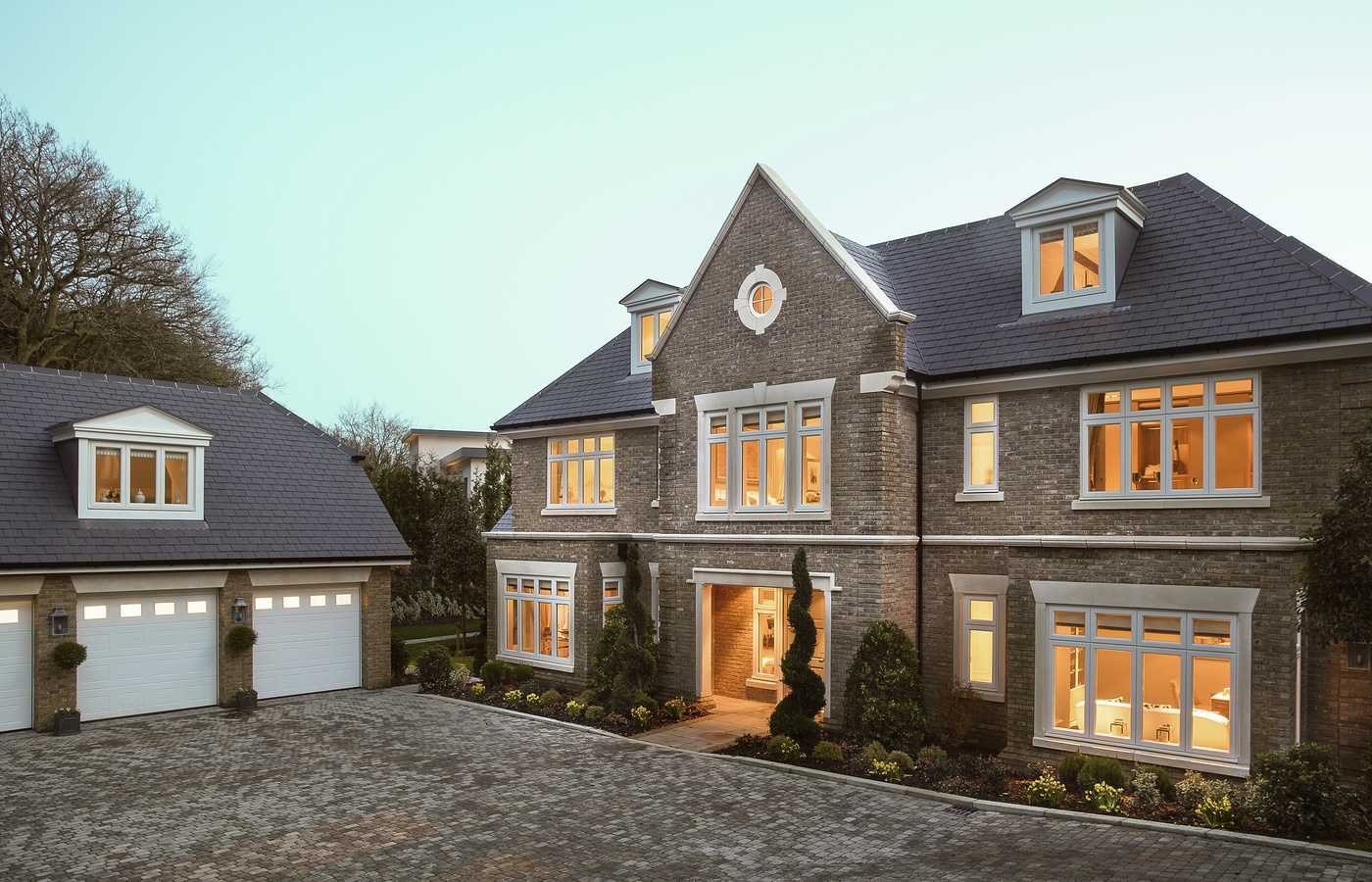 Spread your wings and indulge in a new luxury millgate for Traditional country homes