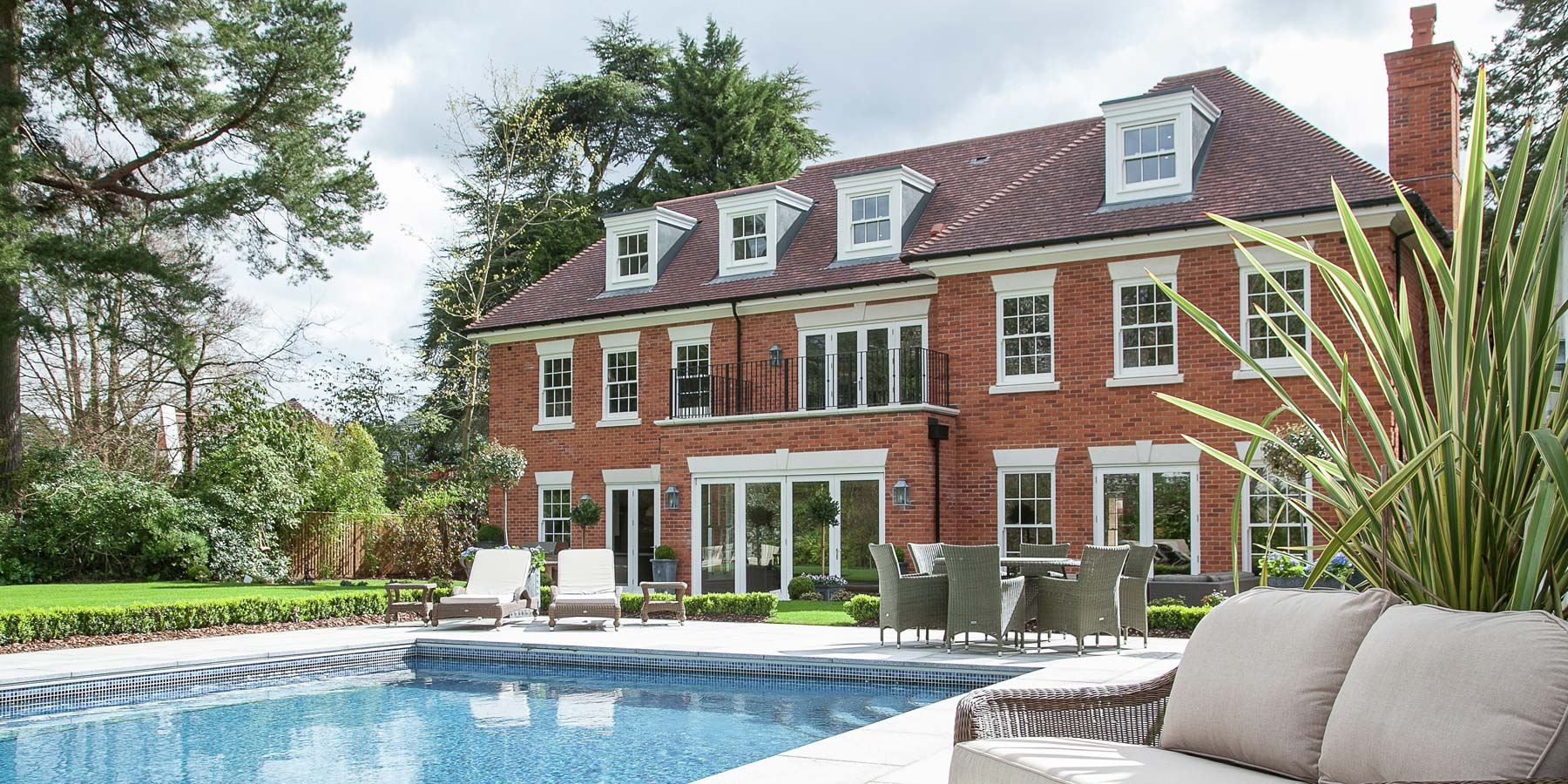 Uncategorized millgate for Mansions in the hamptons for sale